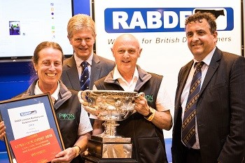 Store & Thaw Colostrum Management System takes RABDF 2016 Machinery Award